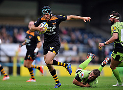 Chris Bell of Wasps goes on the attack - Photo mandatory by-line: Patrick Khachfe/JMP - Mobile: 07966 386802 14/09/2014 - SPORT - RUGBY UNION - High Wycombe - Adams Park - Wasps v Northampton Saints - Aviva Premiership