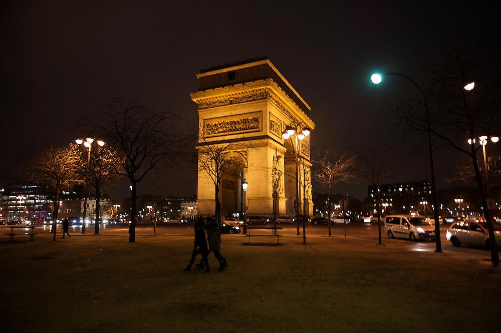Arc de Triomphe at night, Paris. Paris feature, World War Two Magazine