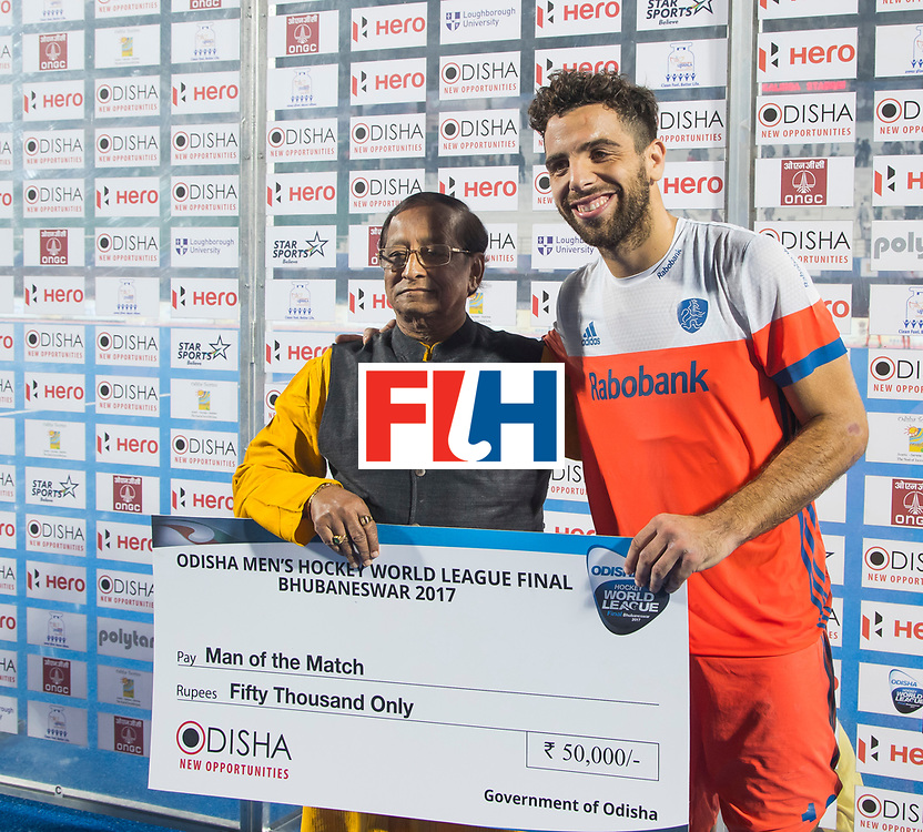 BHUBANESWAR - match 08. Netherlands v Argentina.  Player of the match, Valentin Verga (Ned).  COPYRIGHT  KOEN SUYK
