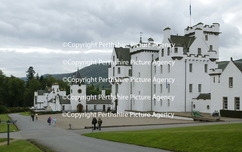 Blair Castle, Blair Atholl, Perthshire...18.9.2002.<br /><br />Picture by John Lindsay .<br />COPYRIGHT: Perthshire Picture Agency.<br />Tel. 01738 623350 / 07775 852112.