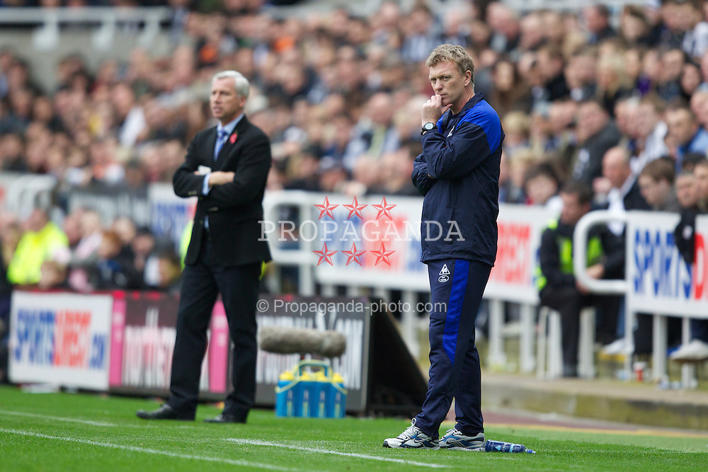 NEWCASTLE-UPON-TYNE, ENGLAND - Saturday, November 5, 2011: Everton's manager David Moyes looks dejected after Newcastle United's first goal during the Premiership match at St. James' Park. (Pic by Vegard Grott/Propaganda)