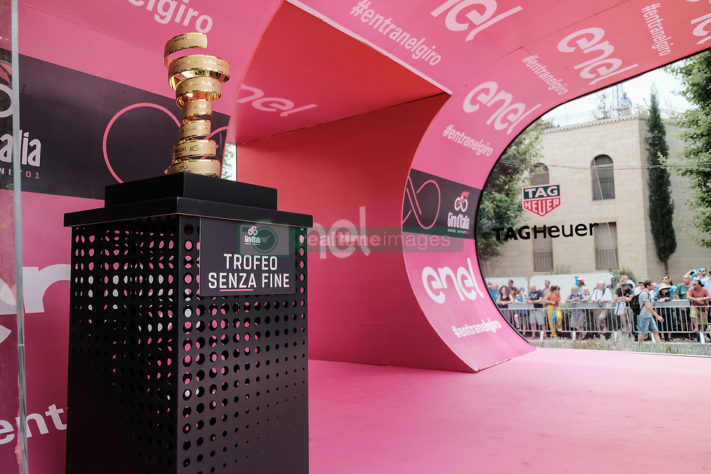 May 4, 2018 - Jerusalem, Israel - The 101st edition of Giro d'Italia, the Corsa Rosa, begins today in Jerusalem, history being made with the first ever Grand Tour start outside of Europe. Competing riders set out for the 9.7Km Jerusalem Individual Time Trial Stage 1. (Credit Image: © Nir Alon via ZUMA Wire)
