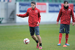 04.03.2014, AFG Arena, St. Gallen, SUI, Training der Schweizer Nationalmannschaft, vor dem Testspiel gegen Kroatien, im Bild Pirmin Schwegler, Valentin Stocker (SUI) // during a practice session of swiss national football team prior to the international frindley against Croatia at the AFG Arena in St. Gallen, Switzerland on 2014/03/04. EXPA Pictures © 2014, PhotoCredit: EXPA/ Freshfocus/ Claudia Minder<br /> <br /> *****ATTENTION - for AUT, SLO, CRO, SRB, BIH, MAZ only*****