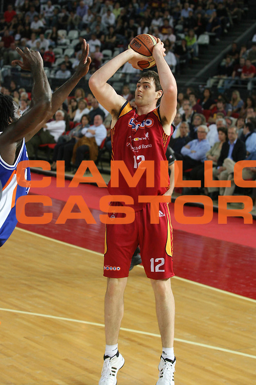 DESCRIZIONE : Roma Lega A1 2007-08 Playoff Quarti di Finale Gara 1 Lottomatica Virtus Roma Tisettanta Cantu <br /> GIOCATORE : Erazem Lorbek <br /> SQUADRA : Lottomatica Virtus Roma <br /> EVENTO : Campionato Lega A1 2007-2008 <br /> GARA : Lottomatica Virtus Roma Tisettanta Cantu <br /> DATA : 11/05/2008 <br /> CATEGORIA : Tiro <br /> SPORT : Pallacanestro <br /> AUTORE : Agenzia Ciamillo-Castoria/G.Ciamillo