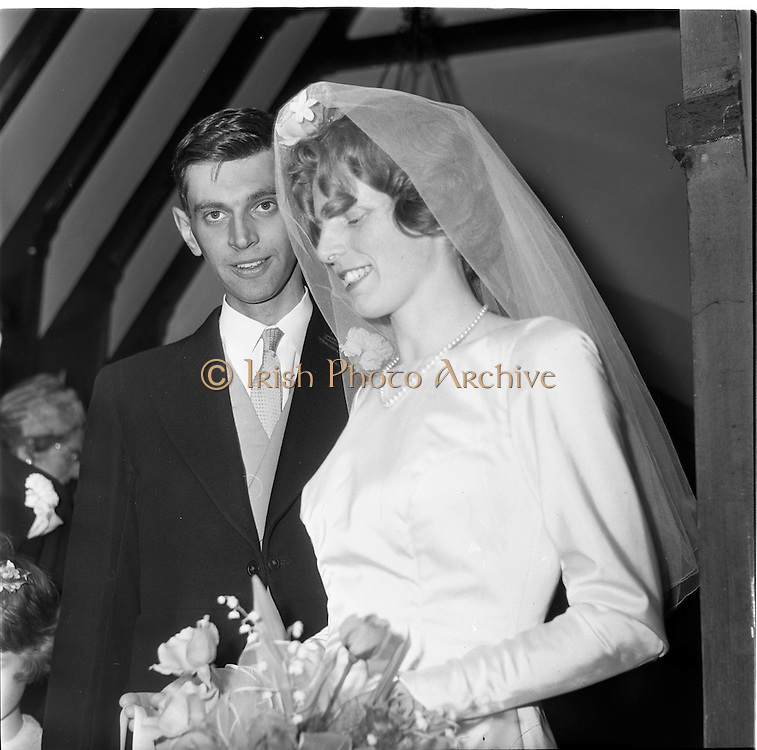 28/06/1963<br /> 06/28/1963<br /> 28 June 1963<br /> Wedding of Mr Michael Slazenger, Powerscourt Demance, Co. Wicklow and Miss Noreen Smith, 17 Leahy terrace, Sandymount, Dublin at the Presbyterian Church, Sandymount. Image shows the bride and groom leaving the church after the wedding ceremony.