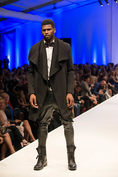 """Fashion designer Michael Costello, from the hit Bravo TV show """"Project Runway"""" presents his newest collection at Fashion Week El Paseo in Palm Desert, California. Photos by Tiffany L. Clark"""