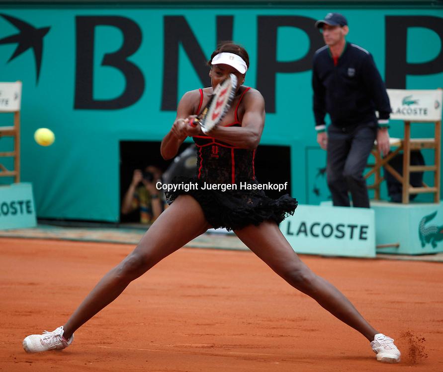 French Open 2010, Roland Garros, Paris, Frankreich,Sport, Tennis, ITF Grand Slam Tournament,  Venus Williams (USA)  ..Foto: Juergen Hasenkopf..