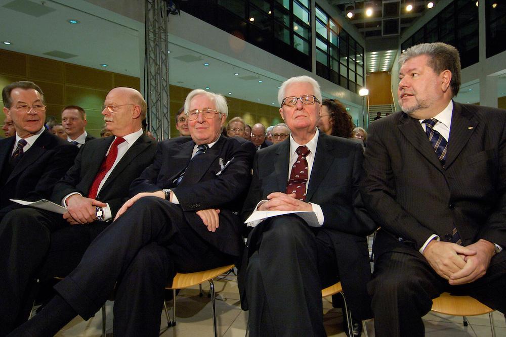 16 FEB 2006, BERLIN/GERMANY:<br /> Franz Muentefering, SPD, Bundesarbeitsminister, Peter Struck, SPD Fraktionsvorsitzender, Bernhard Vogel, CDU, Ministerpraesident a.D., Hans-Jochen Vogel, SPD, ehem. Parteivorsitzender, und Kurt Beck, SPD, Ministerpraesident Rheinland-Pfalz, (v.L.n.R.), waehrend einem Empfang zum 80. Geburtstag von Hans-Jochen Vogel, Willy-Brandt-Haus<br /> IMAGE: 20060216-02-066<br /> KEYWORDS: Geburtstagsempfang, Franz M&uuml;ntefering