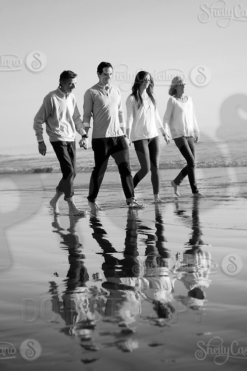 28 December 2011:  Massimo, isabella, Chiara and Luca Sbisa visit Newport Beach for a fun family photo session at sunset.  Personal Use Only.