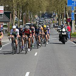 02-05-2015: Wielrennen: Ronde van Overijssel mannen: Rijssen  RIJSSEN (NED) wielrennen:  De 63e ronde van Overijssel heeft als zwaarte punt de heuveltjes rond Ootmarsum en de Sallandse heuvelrug. Net als in de ronde van Vlaanderen kent men in Overijssel het dorp van de ronde. In 2015 is de eer aan Markelo.
