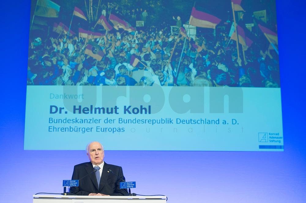 19 DEC 2014, DRESDEN/GERMANY:<br /> Helmut Kohl, CDU, Bundeskanzler a.D., haelt eine kurze Rede, Veranstaltung der Konrad-Adenauer-Stiftung am 25. Jahrestag der Rede von Helmut Kohl vor der Ruine der Frauenkirche, Albertinum<br /> IMAGE: 20141219-01-152