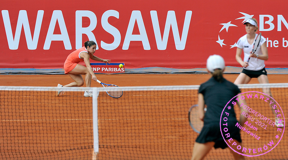 (L) VIRGINIA RUANO PASCUAL (SPAIN) RETURNS THE BALL &  (R) MEGHANN SHAUGHNESSY (USA) IN FINAL WOMEN'S DOUBLE AT INTERNATIONAL WOMEN TENNIS TOURNAMENT WTA POLSAT WARSAW OPEN AT LEGIA'S COURTS IN WARSAW, POLAND...WARSAW , POLAND , MAY 22, 2010..( PHOTO BY ADAM NURKIEWICZ / MEDIASPORT )..PICTURE ALSO AVAIBLE IN RAW OR TIFF FORMAT ON SPECIAL REQUEST.