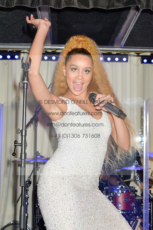 Singer JILLIAN HERVEY of Lion Babe at the Fashion Targets Breast Cancer 20th Anniversary Party held at 100 Wardour Street, Soho, London on 12th April 2016.
