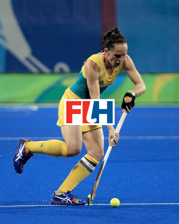 RIO DE JANEIRO, BRAZIL - AUGUST 11:  Madonna Blyth #12 of Australia controls the ball during a Women's Preliminary Pool B match against Argentina at the Olympic Hockey Centre on August 11, 2016 in Rio de Janeiro, Brazil.  (Photo by Sam Greenwood/Getty Images)