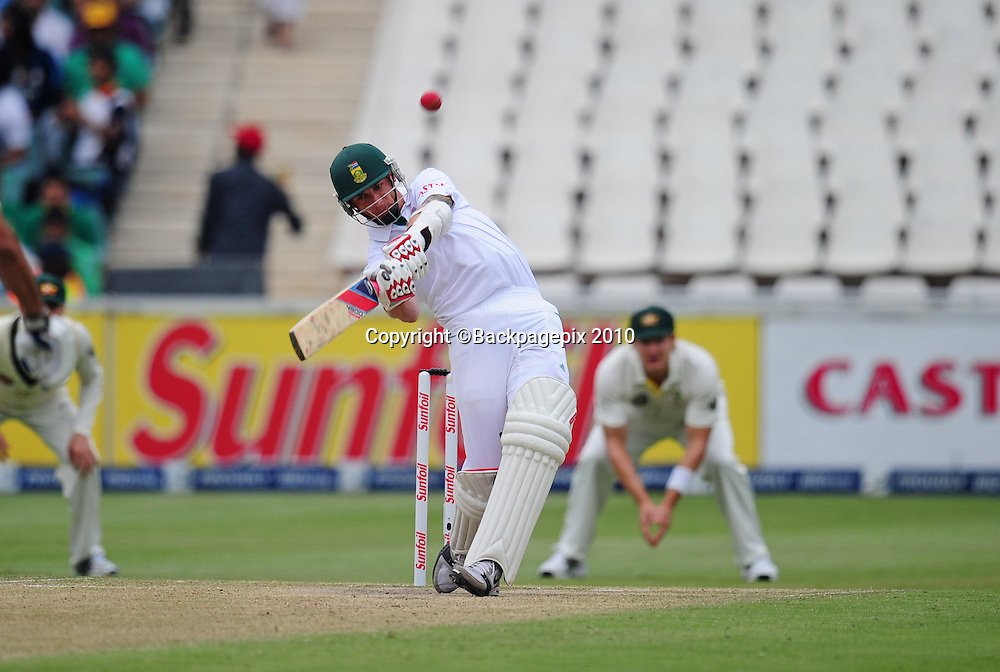 Dale Steyn of South Africa , Cricket - 2011 Sunfoil Test Series - South Africa v Australia - Day 4 - Wanderers Stadium, Johannesburg. 20 November 2011<br /> &copy;Chris Ricco/Backpagepix