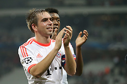 23.10.2012, Grand Stade Lille Metropole, Lille, OSC Lille vs FC Bayern Muenchen, im Bild Philipp LAHM (FC Bayern Muenchen - 21) applaudiert den Fans // during UEFA Championsleague Match between Lille OSC and FC Bayern Munich at the Grand Stade Lille Metropole, Lille, France on 2012/10/23. EXPA Pictures © 2012, PhotoCredit: EXPA/ Eibner/ Gerry Schmit..***** ATTENTION - OUT OF GER *****