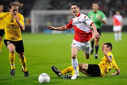 23-10-2009 VOETBAL: FC UTRECHT - RODA: UTRECHT<br /> Utrecht wint met 2-1 van Roda / Dries Mertens, Ruud Vormer (l) en Davy de Fauw<br /> ©2009-WWW.FOTOHOOGENDOORN.NL