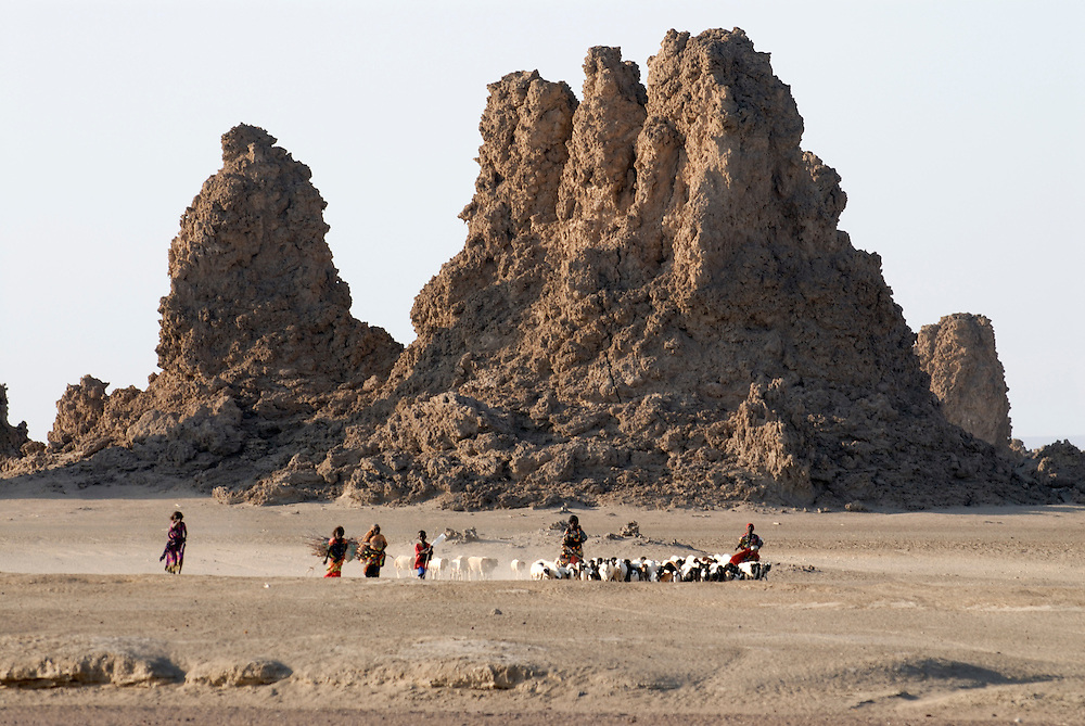 Bedouin girls in front of Lac Abbe, Djibouti