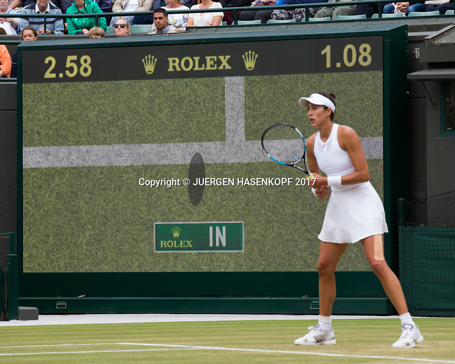 GARBI&Ntilde;E MUGURUZA (ESP) steht vor dem Stadion Monitor, Hawkeye Entscheidung zeigt an Ball war drin,<br /> <br /> Tennis - Wimbledon 2017 - Grand Slam ITF / ATP / WTA -  AELTC - London -  - Great Britain  - 11 July 2017.