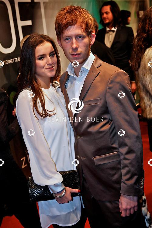 AMSTERDAM - Robert de Hoog en partner op de premiere van de film Loft dinsdag in Amsterdam. De film is vanaf 16 december in de Nederlandse bioscopen te zien. FOTO LEVIN DEN BOER - PERSFOTO.NU