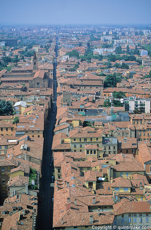 Terracotta rooftops in Bologna seen from the top of the medieval tower Asinelli. The city is the capital of Emilia-Romagna region and has a population of 370,000. Bologna, Italy, 2000