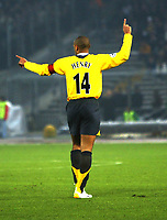 Photo: Chris Ratcliffe.<br /> Juventus v Arsenal. UEFA Champions League. Quarter-Finals. 05/04/2006. <br /> Thierry Henry does not know which way to go now, stay at arsenal or go elsewhere