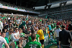04.05.2013, Weserstadion, Bremen, GER, 1. FBL, SV Werder Bremen vs TSG 1899 Hoffenheim, 32. Runde, im Bild die Mannschaft nach dem Abpfiff in der Fankurve // during the German Bundesliga 32nd round match between the clubs SV Werder Bremen vs TSG 1899 Hoffenheim at the Weserstadion, Bremen, Germany on 2013/05/04. EXPA Pictures © 2013, PhotoCredit: EXPA/ Andreas Gumz ***** ATTENTION - OUT OF GER *****