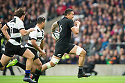 Twickenham, Surrey. England. All Black, Vaea FIFITA, running, through midfield, with the ball     during the Killik Cup, Barbarians vs New Zealand. Twickenham. UK<br /> <br /> Saturday  04.11.17<br /> <br /> [Mandatory Credit Peter SPURRIER/Intersport Images]