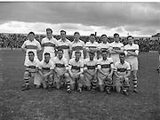 Neg no: 19/a4246-a4248..1956NFLF...00.00.1956..Meath v. Derry.Derry Team.FOOTBALL.