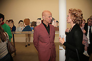 Alex Katz, Alex Katz 'One Flight Up' at the new Timothy Taylor Gallery , 15 Carlos Place. London. 11 October 2007. -DO NOT ARCHIVE-© Copyright Photograph by Dafydd Jones. 248 Clapham Rd. London SW9 0PZ. Tel 0207 820 0771. www.dafjones.com.