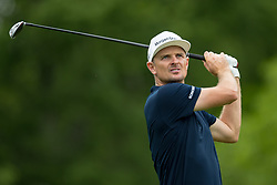 May 30, 2019 - Dublin, OH, U.S. - DUBLIN, OH - MAY 30: Justin Rose of England plays his shot from the 18th tee during the Memorial Tournament presented by Nationwide at Muirfield Village Golf Club on May 30, 2018 in Dublin, Ohio. (Photo by Adam Lacy/Icon Sportswire) (Credit Image: © Adam Lacy/Icon SMI via ZUMA Press)