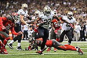 NEW ORLEANS, LA - SEPTEMBER 20:  Mark Ingram #22of the New Orleans Saints runs the ball in for a touchdown against the Tampa Bay Buccaneers at Mercedes-Benz Superdome on September 20, 2015 in New Orleans Louisiana.  The Buccaneers defeated the Saints 26-19. (Photo by Wesley Hitt/Getty Images) *** Local Caption *** Mark Ingram