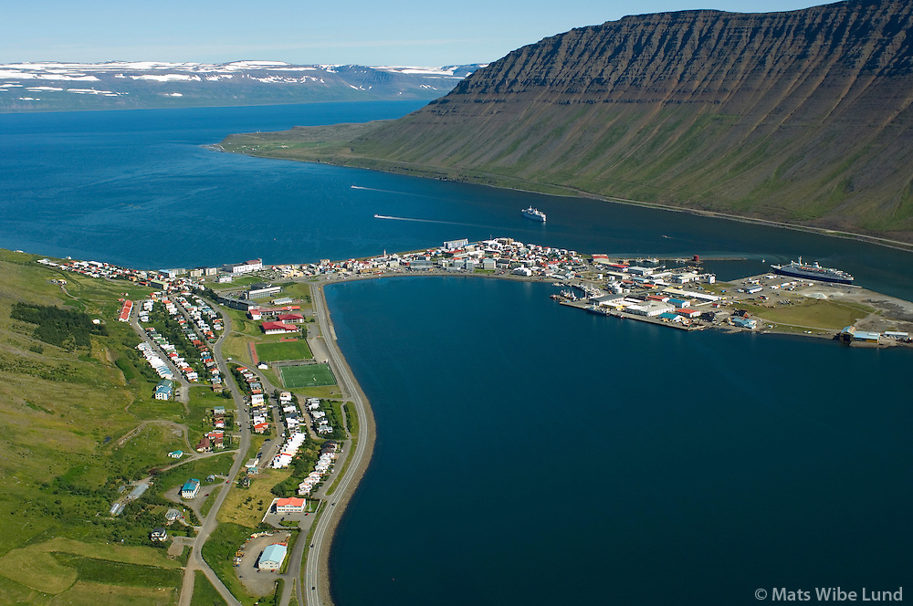 Ísafjörður séð til norðurs, Ísafjarðarbær / Isafjordur viewing north.