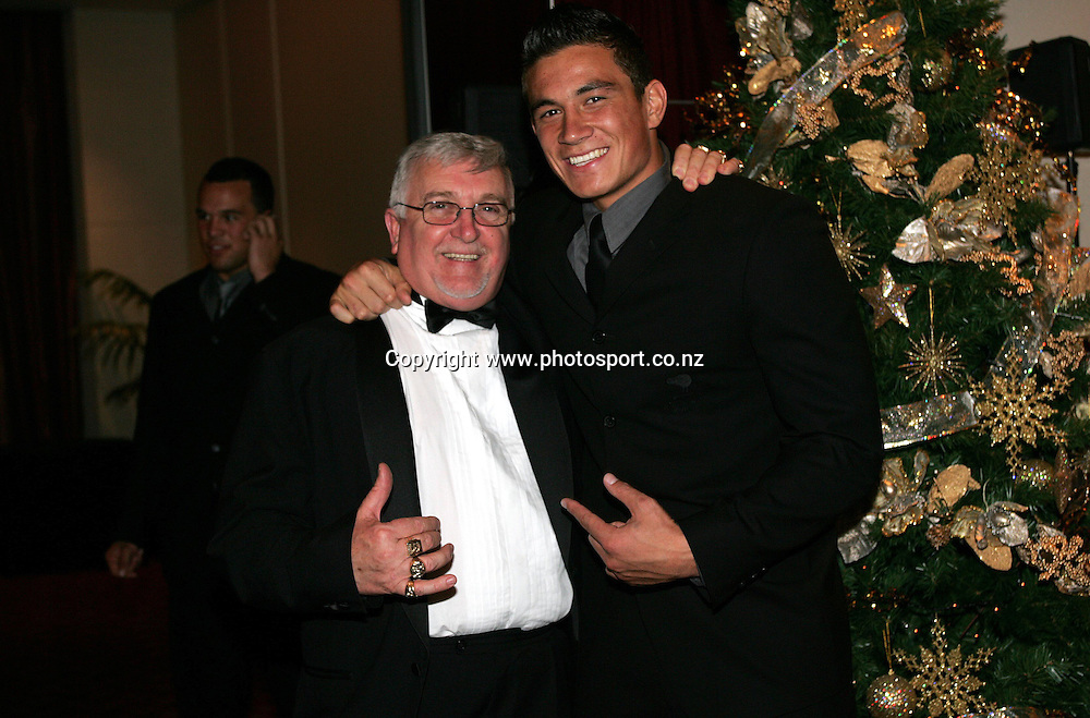 The Mad Butcher aka Peter Leitch and Sonny Bill Williams during the New Zealand Rugby League Awards held at the Hyatt Hotel, Auckland, on Friday 3 December, 2004. Photo: Andrew Cornaga/PHOTOSPORT<br /><br /><br />124593