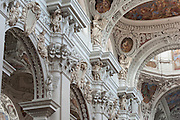 Dom innen, Passau, Bayerischer Wald, Bayern, Deutschland | interior of cathedral, Passau, Bavarian Forest, Bavaria, Germany