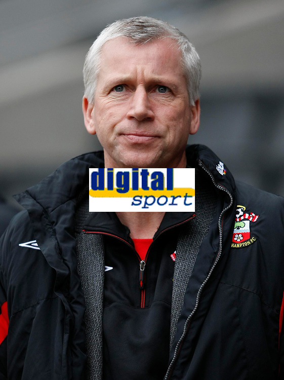 Photo: Steve Bond/Richard Lane Photography. MK Dons v Southampton. Coca-Cola Football League One. 20/03/2010. Alan Pardew looks on