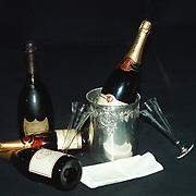 Huize Ria Adam Overtoom 558 Amsterdam, fles champagne, koeler, servetten