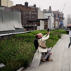 "The New York Highline, inspired from the French ""Coulee Verte"" in Paris. Chelsea, NY. 2009, June 11th. Photo: Antoine Doyen"