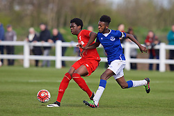 LIVERPOOL, ENGLAND - Saturday, April 9, 2016: Liverpool's Oviemuno Ejariain action against Everton's Beni Baningime during the FA Premier League Academy match at Finch Farm. (Pic by David Rawcliffe/Propaganda)