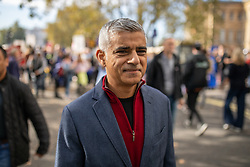 © Licensed to London News Pictures. 20/10/2018. London, UK. Mayor of London Sadiq Khan joins demonstrators taking park in the 'People's Vote' march in central London, campaigning for a public vote on the final Brexit deal. Organisers are expecting over 100,000 to attend the demonstration. Photo credit : Tom Nicholson/LNP