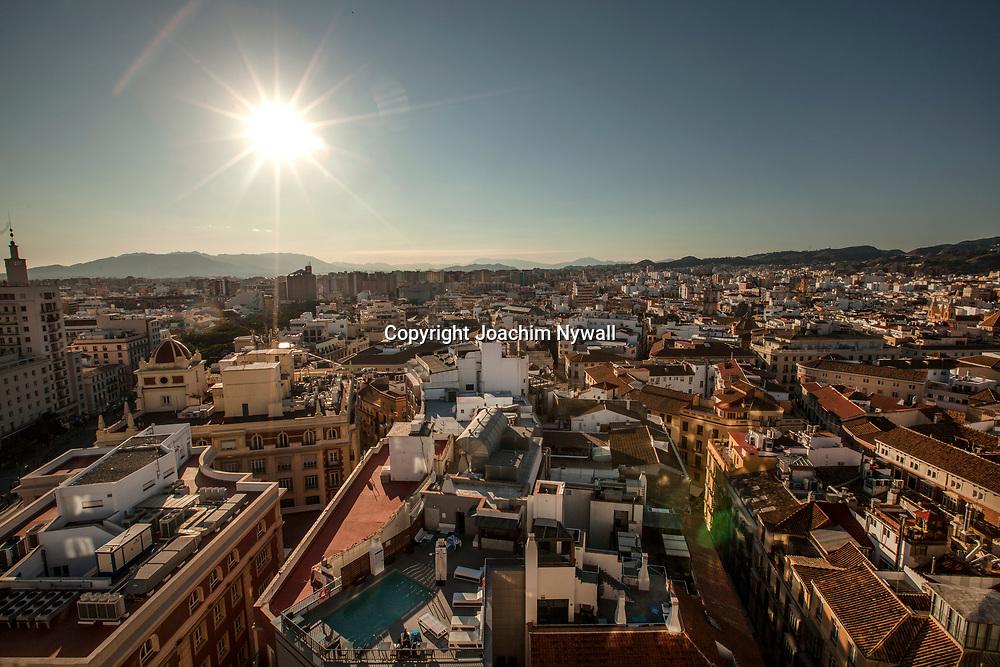 2016 02 17 Malaga Andalusien Spanien<br /> Utsikt &ouml;ver centrala Malaga<br /> <br /> ----<br /> FOTO : JOACHIM NYWALL KOD 0708840825_1<br /> COPYRIGHT JOACHIM NYWALL<br /> <br /> ***BETALBILD***<br /> Redovisas till <br /> NYWALL MEDIA AB<br /> Strandgatan 30<br /> 461 31 Trollh&auml;ttan<br /> Prislista enl BLF , om inget annat avtalas.