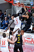 DESCRIZIONE : Varese FIBA Eurocup 2015-16 Openjobmetis Varese Telenet Ostevia Ostende<br /> GIOCATORE : Jean Salumu<br /> CATEGORIA : Tiro<br /> SQUADRA : Telenet Ostevia Ostende<br /> EVENTO : FIBA Eurocup 2015-16<br /> GARA : Openjobmetis Varese - Telenet Ostevia Ostende<br /> DATA : 28/10/2015<br /> SPORT : Pallacanestro<br /> AUTORE : Agenzia Ciamillo-Castoria/M.Ozbot<br /> Galleria : FIBA Eurocup 2015-16 <br /> Fotonotizia: Varese FIBA Eurocup 2015-16 Openjobmetis Varese - Telenet Ostevia Ostende