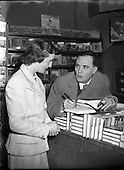 1956 5/10/ Iris Kellett with Micheal MacLiammoir in Grafton St. Bookshop 05/10/1956