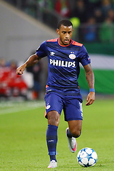 21.10.2015, Volkswagen Arena, Wolfsburg, GER, UEFA CL, VfL Wolfsburg vs PSV Eindhoven, Gruppe B, im Bild Luciano Narsingh (#11, PSV Eindhoven) // during UEFA Champions League group B match between VfL Wolfsburg and PSV Eindhoven at the Volkswagen Arena in Wolfsburg, Germany on 2015/10/21. EXPA Pictures © 2015, PhotoCredit: EXPA/ Eibner-Pressefoto/ Hundt<br /> <br /> *****ATTENTION - OUT of GER*****