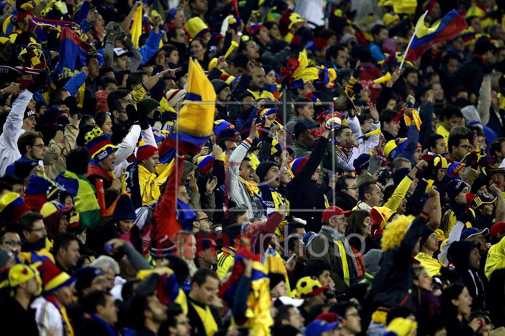 Torcida durante partida entre Brasil x Colombia  no  Estádio Monumental David Arellano , na cidade de Santiago, no Chile, válida pela fase de grupos da Copa América 2015 do Chile. Foto ALAN MORICI/FRAME
