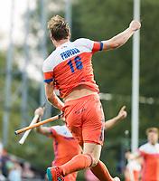 AMSTELVEEN - Mirco Pruyser (Ned) heeft de stand op 2-0 gebracht  tijdens de halve finale wedstrijd Nederland-Engeland bij de Rabo EuroHockey Championships 2017.  COPYRIGHT KOEN SUYK