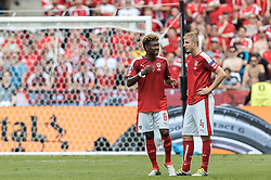 22.06.2016, Stade de France, St. Denis, FRA, UEFA Euro 2016, Island vs Oesterreich, Gruppe F, im Bild David Alaba (AUT), Martin Hinteregger (AUT) // David Alaba (AUT), Martin Hinteregger (AUT) during Group F match between Iceland and Austria of the UEFA EURO 2016 France at the Stade de France in St. Denis, France on 2016/06/22. EXPA Pictures © 2016, PhotoCredit: EXPA/ JFK