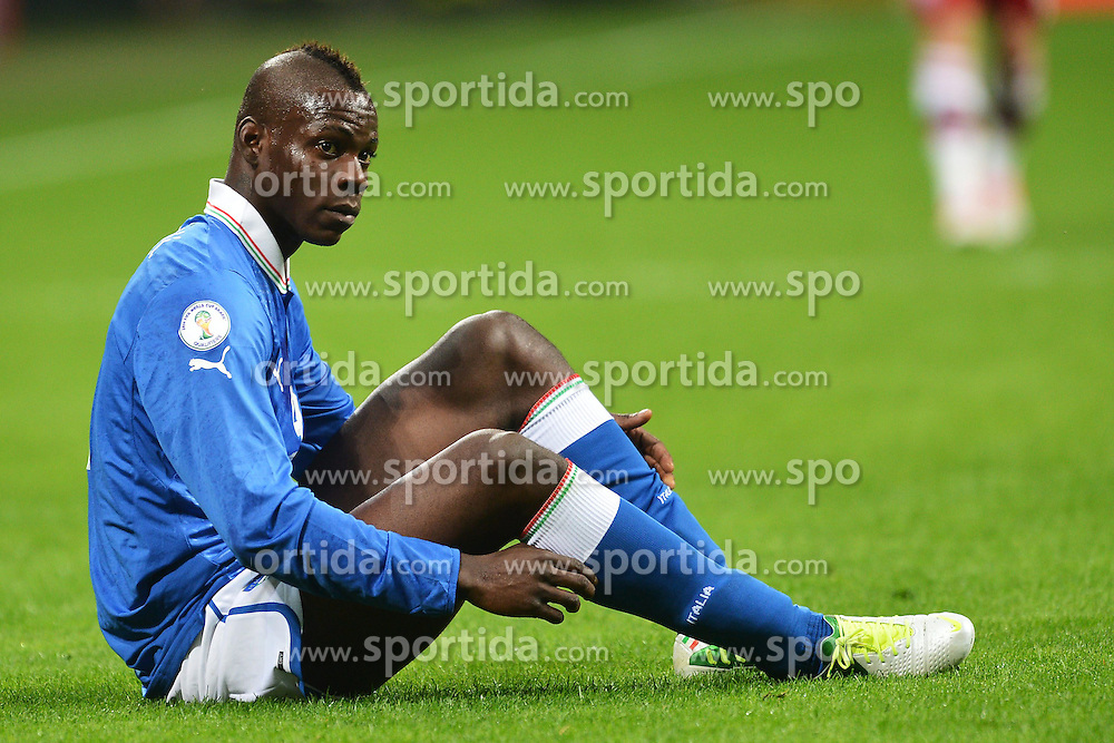 16.10.2012, Giuseppe Meazza Stadion, Mailand, ITA, FIFA WM Qualifikation, Italien vs Daenemark, im Bild Mario Balotelli // during the FIFA World Cup Qualifier Match between Italy and Denmark at the Stadio Giuseppe Meazza, Milano, Italy on 2012/10/16. EXPA Pictures © 2012, PhotoCredit: EXPA/ Insidefoto/ Andrea Staccioli..***** ATTENTION - for AUT, SLO, CRO, SRB, SUI and SWE only *****