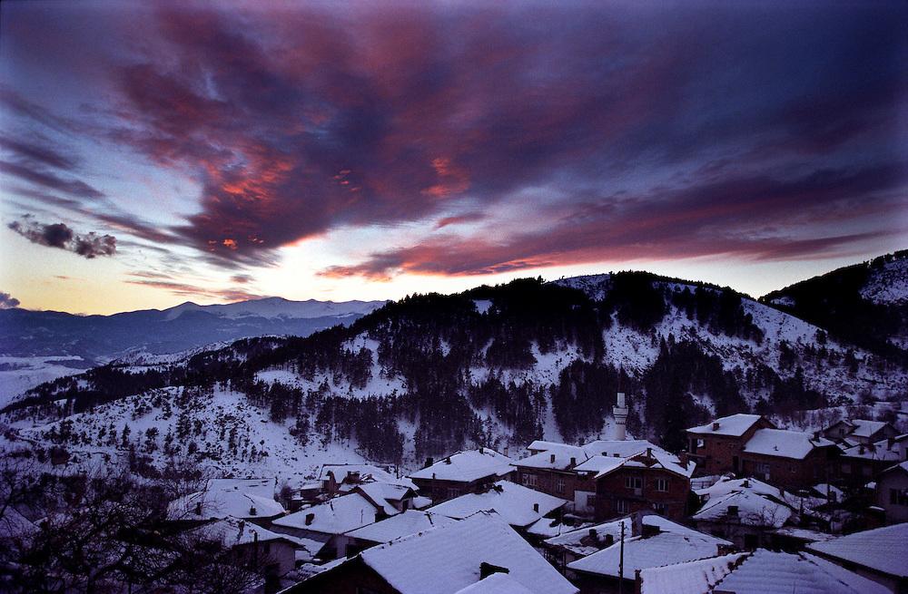 The sun sets over Ribnovo.