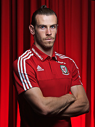 DINARD, FRANCE - Thursday, June 23, 2016: Wales' Gareth Bale poses for a portrait at the team's media centre in Dinard as they prepare for the Round of 16 match against Northern Ireland during the UEFA Euro 2016 Championship. (Pic by David Rawcliffe/Propaganda)